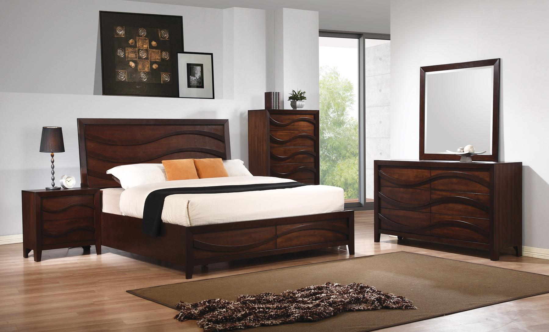Solid-Wood-Bedroom
